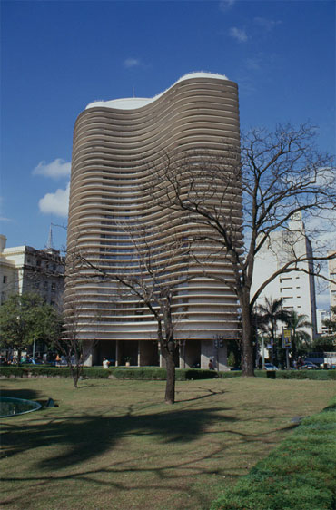 Niemeyer, Edificio de Oficinas, Belo Horizonte. Foto: Louise Noelle