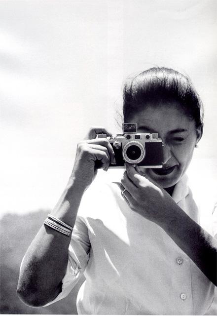 Elisa Vargaslugo. Foto: Lothar Knauth. Archivo Fotográfico IIE-UNAM